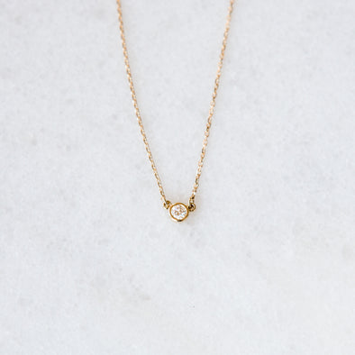 Single Diamond Necklace | 14-Karat