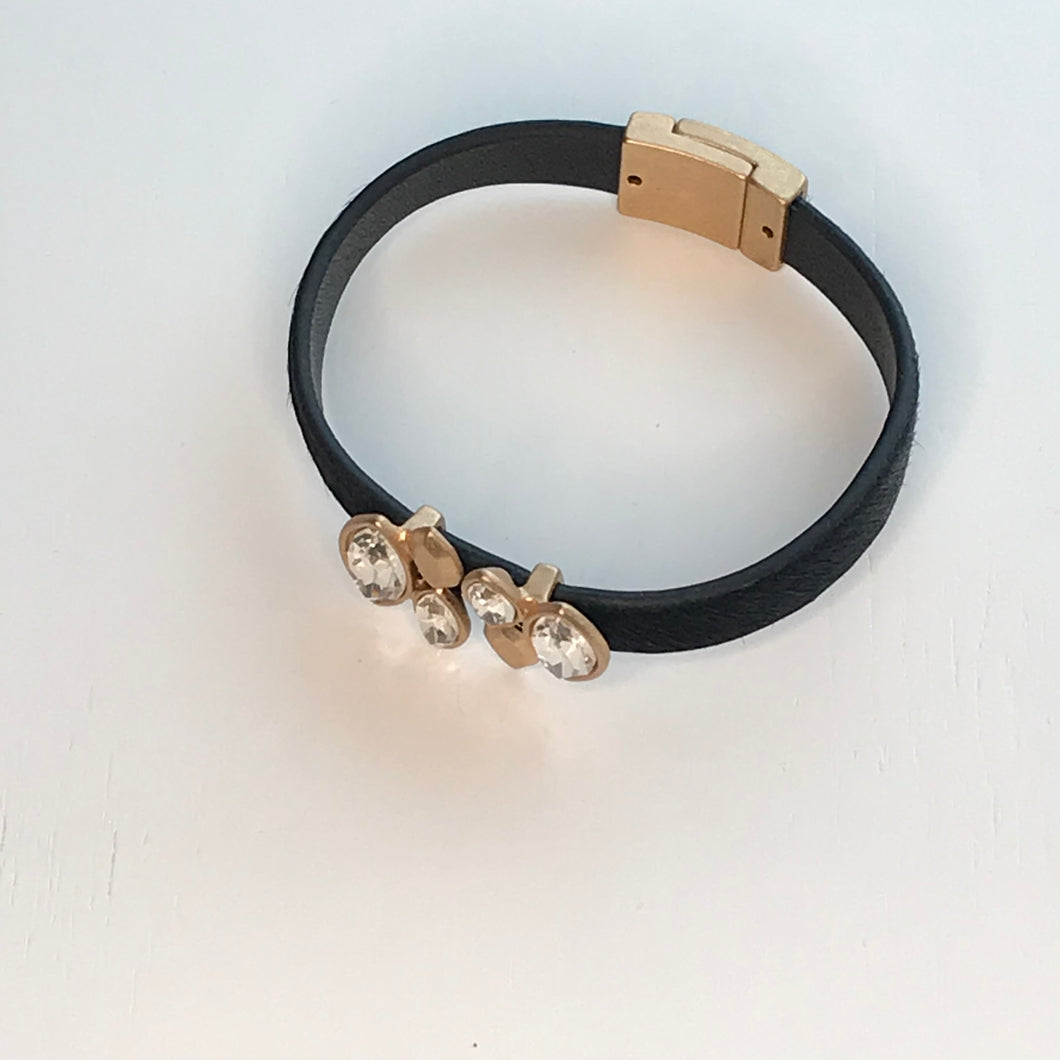Bracelet Magnetic Clasp Black & Gold with Crystals