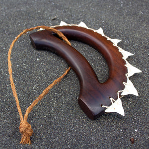 Hawaiian Weapon Replica: Knuckle Duster