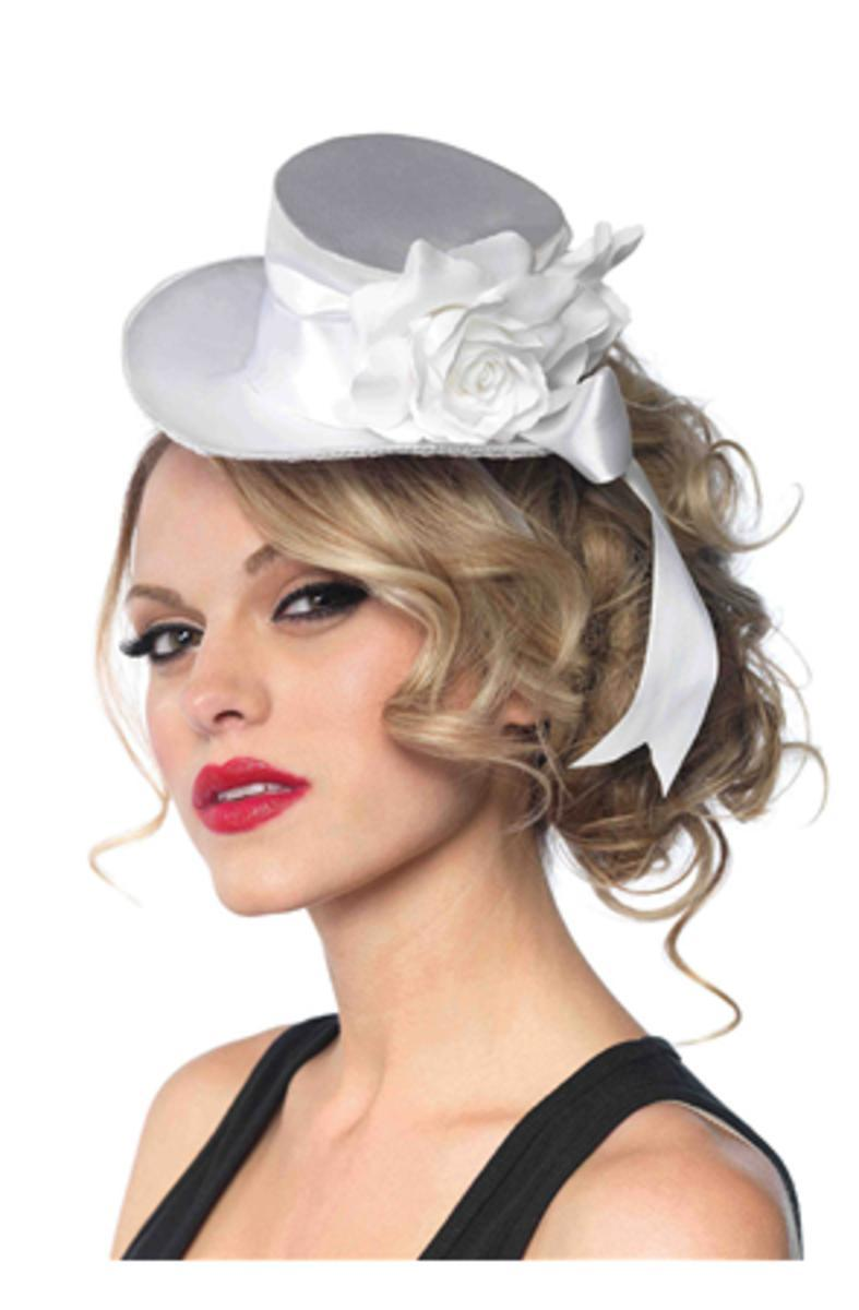 SATIN TOP HAT WITH FLOWER in WHITE