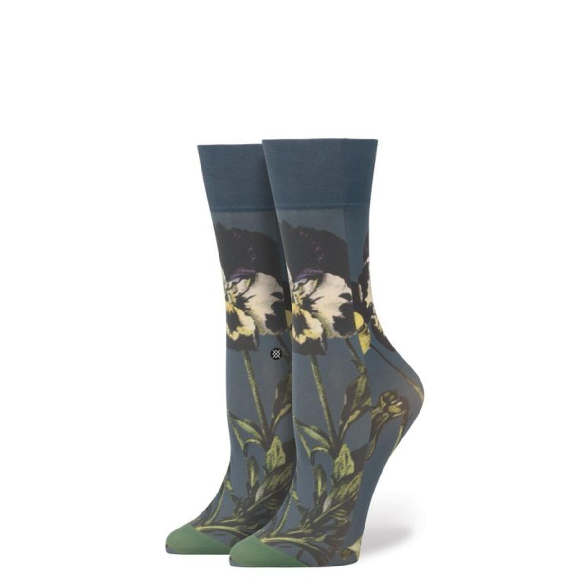 Stance for Women: Black Iris