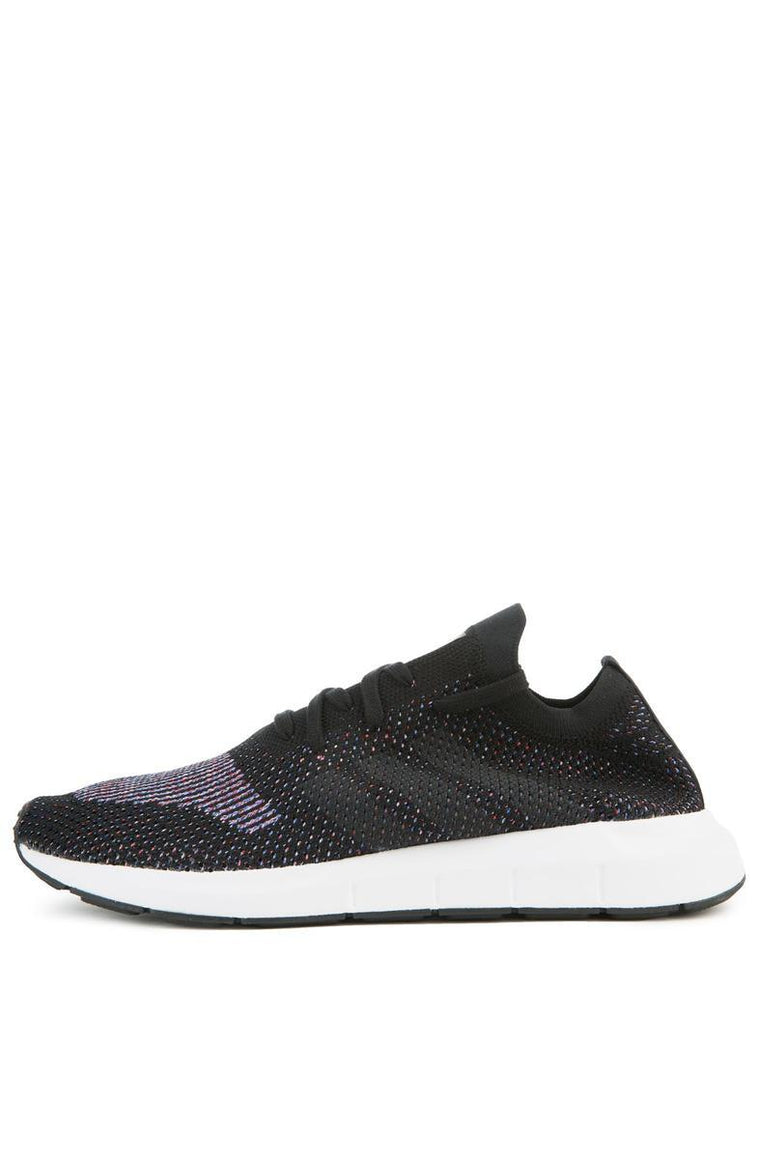 The Swift Run Pk in Black and Grey