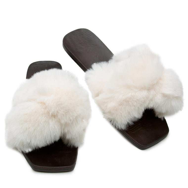 Earthdance-46 Fur Sandals