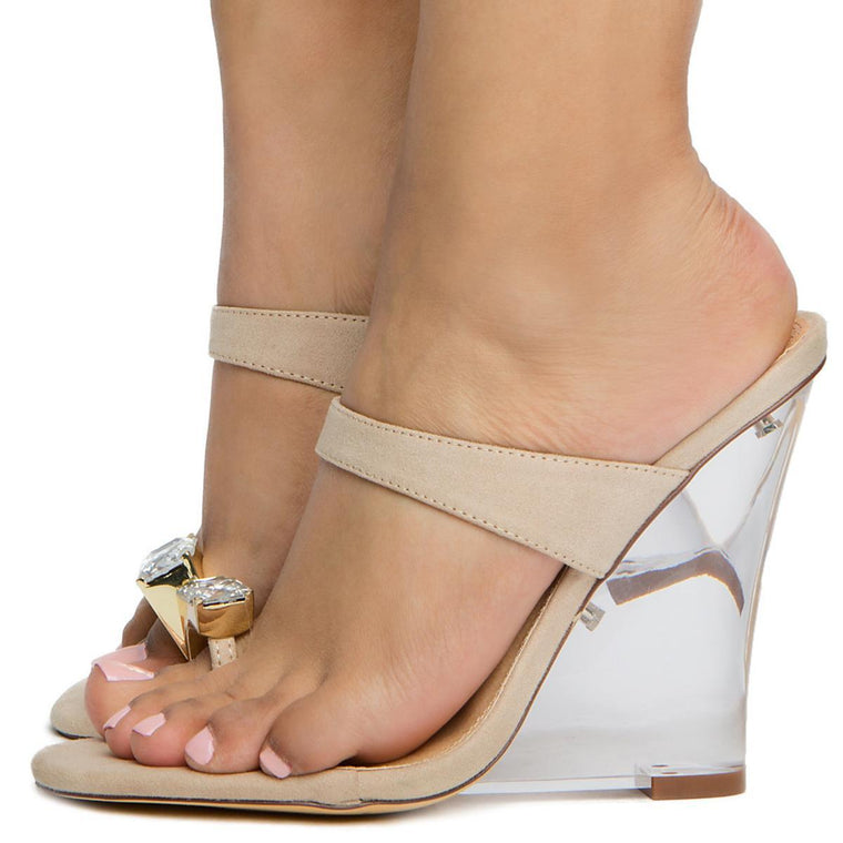 Esso-3 Jewel Toe Ring Wedges