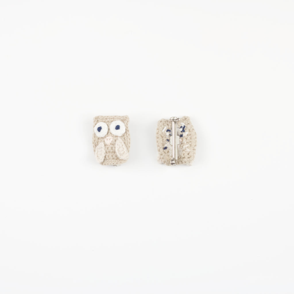Handmade Organic Owl Unisex Brooch - Sand (front and back)