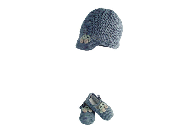 Handmade Organic Car Hat and Booties - Blue