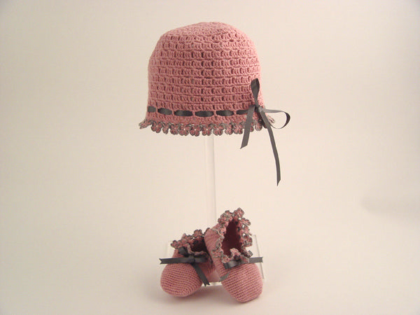 Handmade Organic Flowers Hat and Booties - Pink