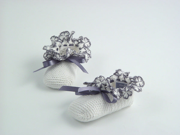 Handmade Organic Flowers Booties Set - White