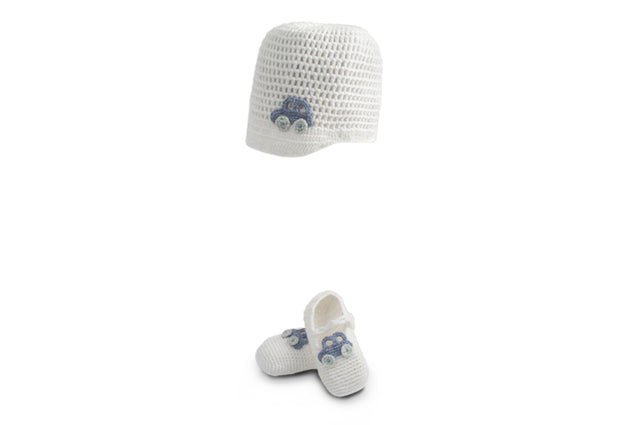 Handmade Organic Car Hat and Booties - White