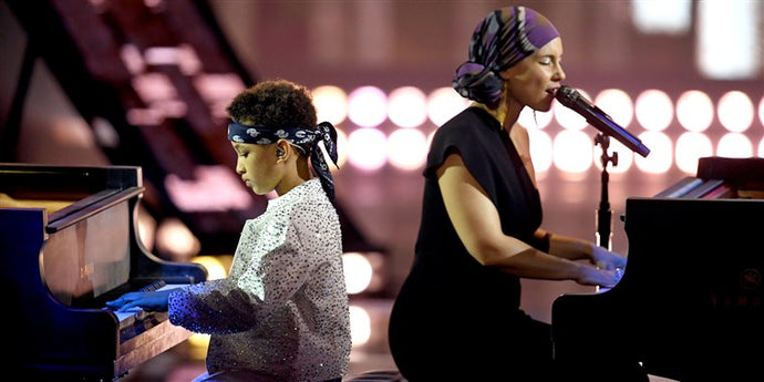 ALICIA KEYS AND HER SON STEAL THE SHOW