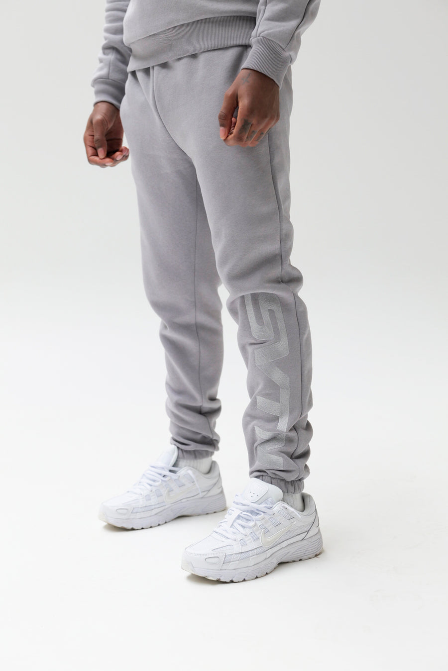 17 Worldwide Grey Pants