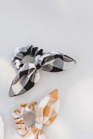 Plaid Bow Scrunchie in Black & White