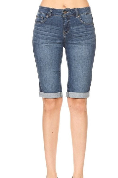 Kirby Bermudas in Medium Denim