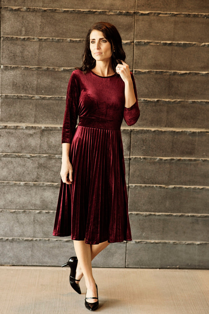 Presley Velvet Dress in Burgundy