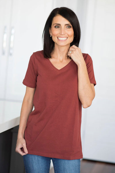 Dee Basic V Neck in Rust