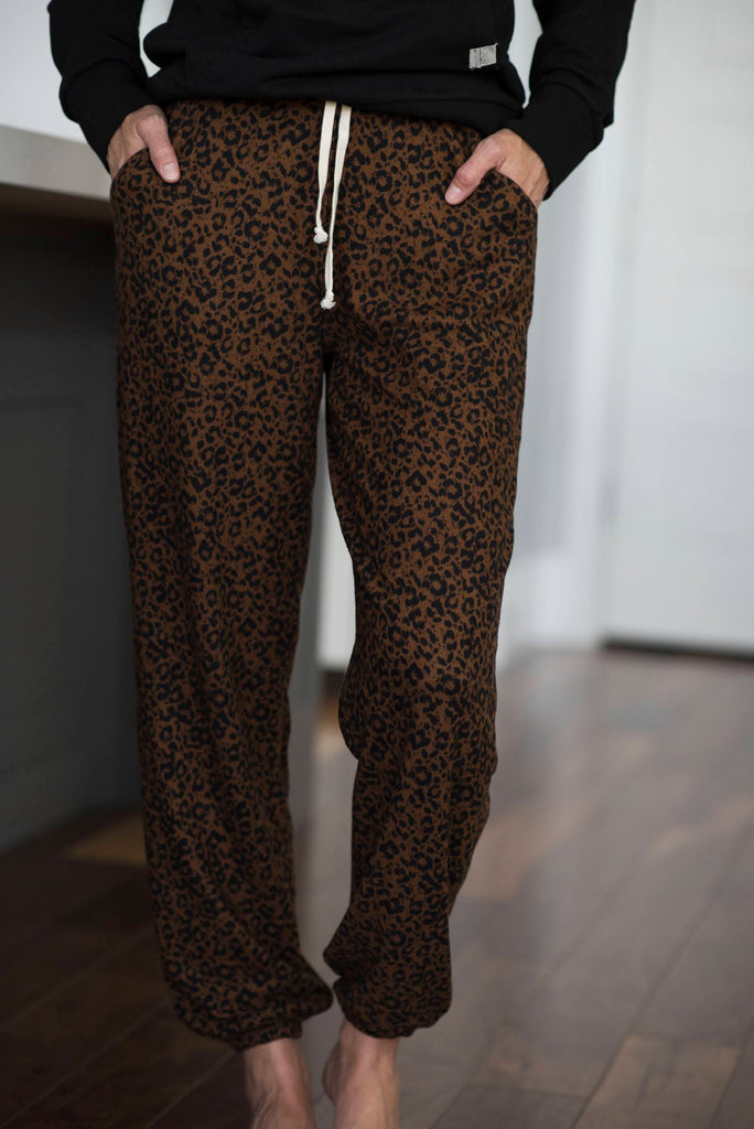 Leo Joggers in Brown