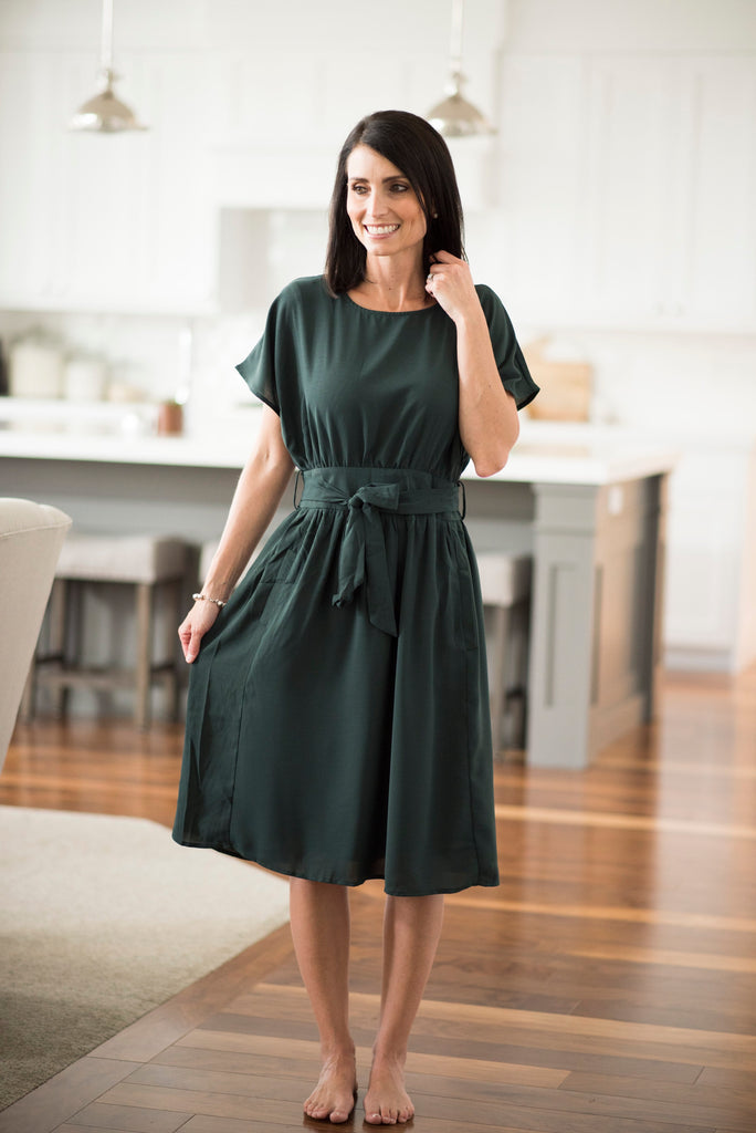 Franny Drop Shoulder Midi Dress in Hunter Green
