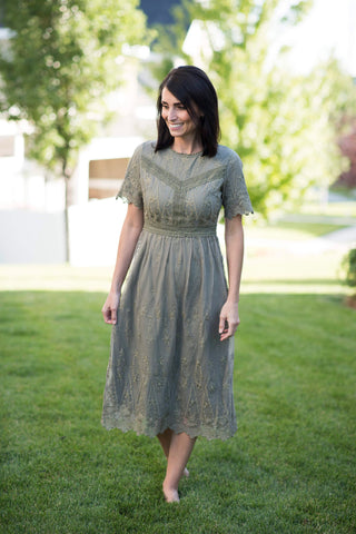 Kennedi Lace Midi Dress in Olive