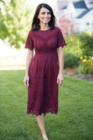 Kennedi Lace Midi Dress in Plum