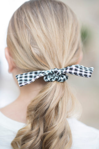 Black & White Gingham Tie Scrunchie