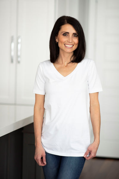 Dee Basic V Neck in White