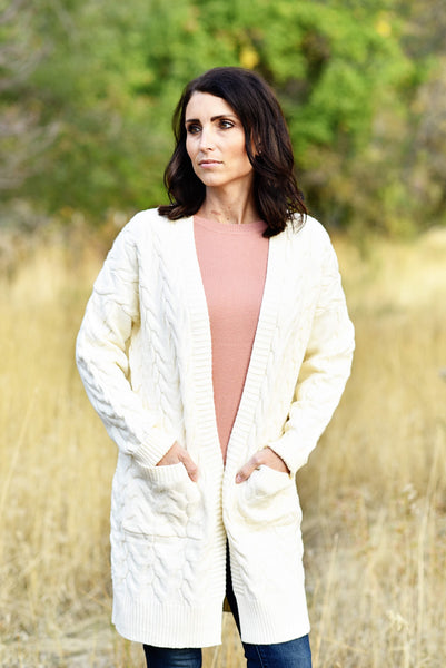 Donna Chunky Cable Knit Cardigan in Ivory