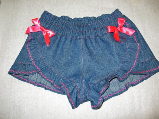 girls pdf sewing pattern for ruffled shorts