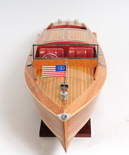 Chris Craft Runabout    B033