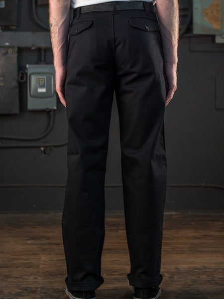 Dadier Pant In Black On Body Back