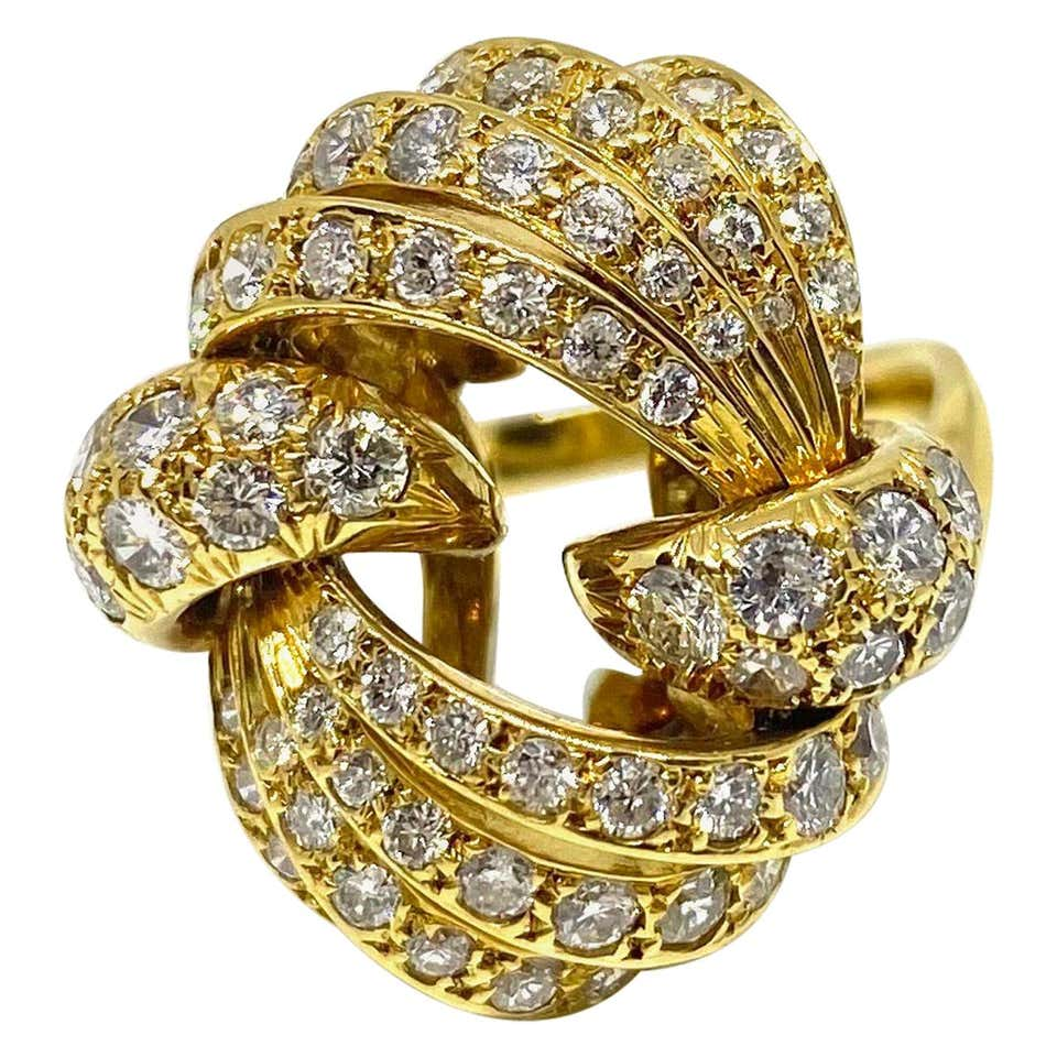 Vintage 18 Karat Yellow Gold 2.25 Carat Diamonds Cocktail Ring