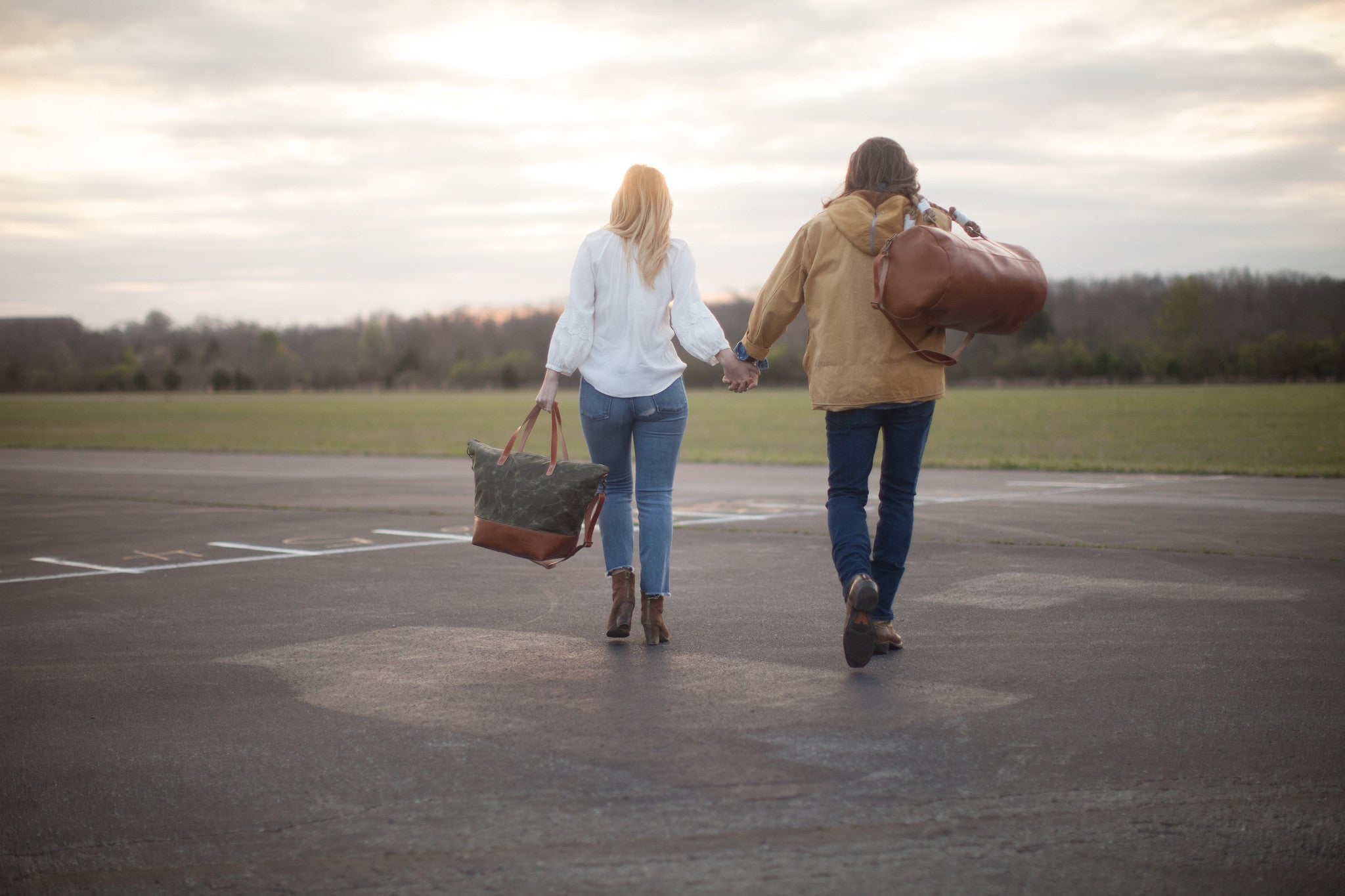 Hunker Bag Co: Horween leather and waxed canvas weekender bag and duffel bag