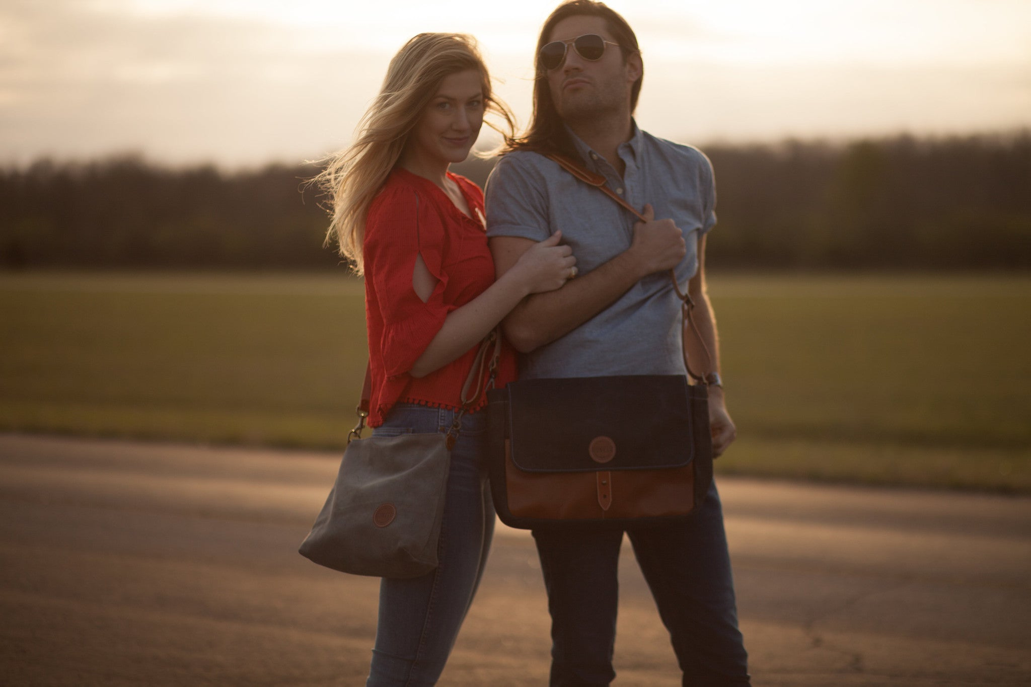 Hunker Bag Co: Horween leather, waxed canvas, and suede messenger bag and tote bag
