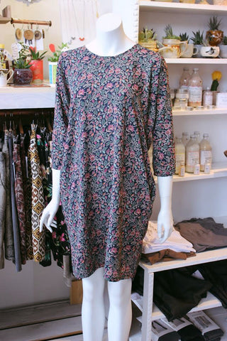 Flower-printed balck dress