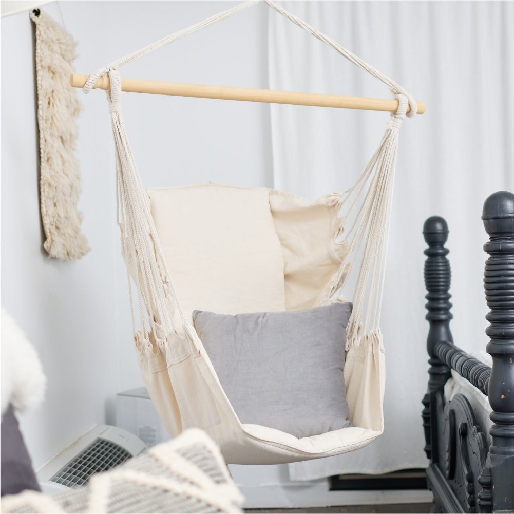 The Homebody: A Hanging Chair Home-Style Trend