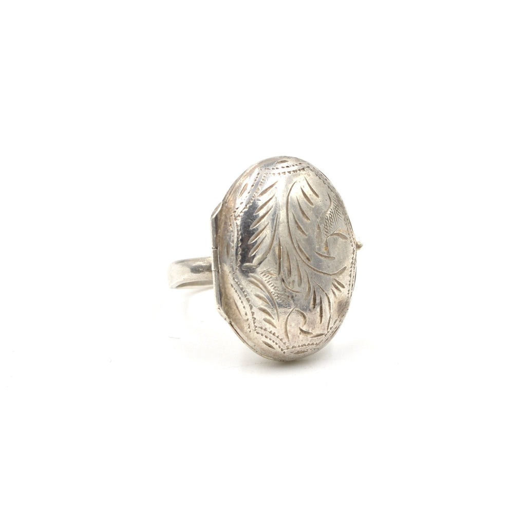 Vintage Locket Ring (925) Size: 7.5