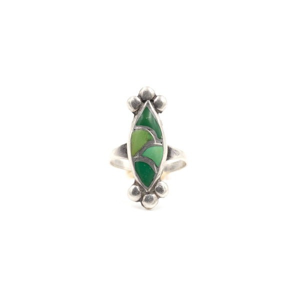 1970s Green Scallop Inlay Ring // Size 4.5