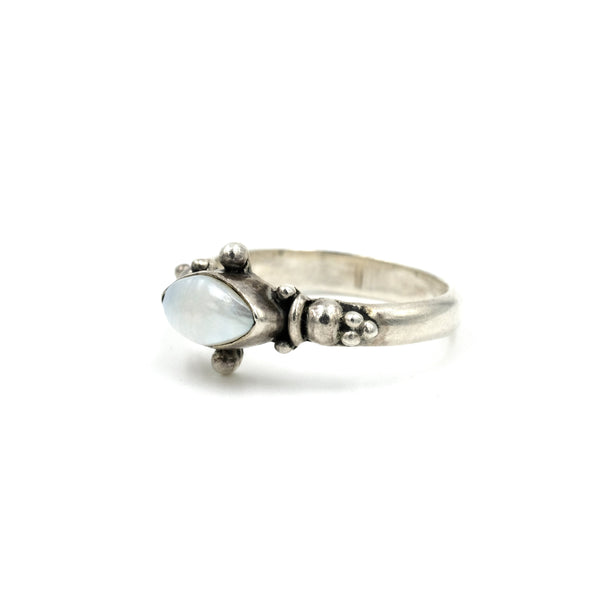 Sterling Pearl Eye Ring // Size: 7.5
