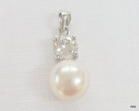 Freshwater Pearl Pendant with Cubic Zirconia's