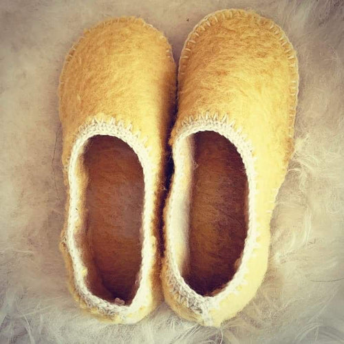 HAND STITCHED WOOL SLIPPERS in gorse yellow Size 6-7