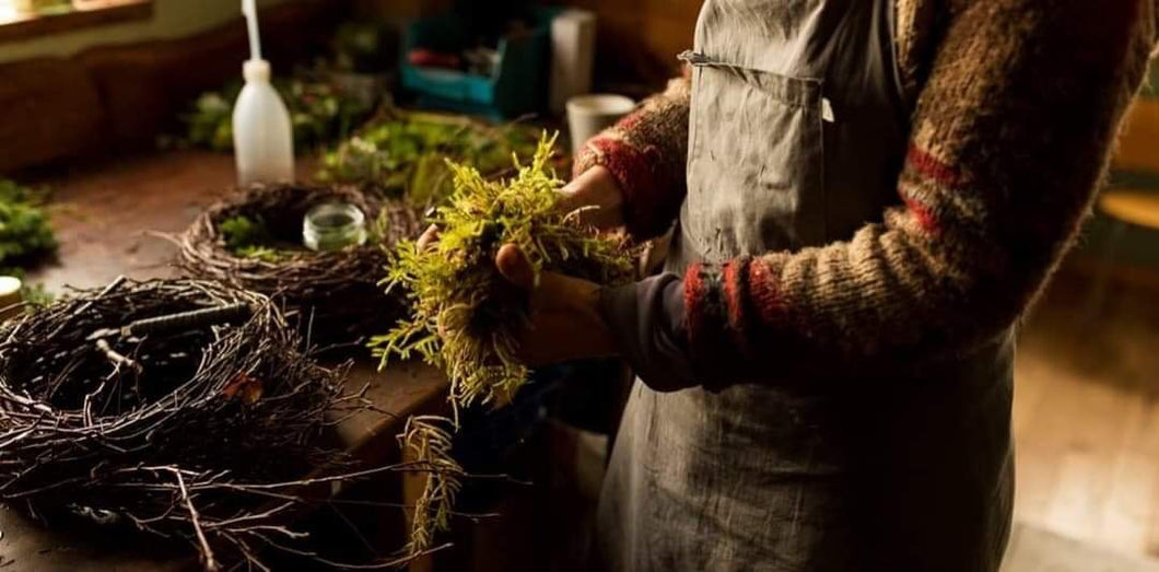 CHRISTMASSY WILLOW  WREATH WORKSHOP
