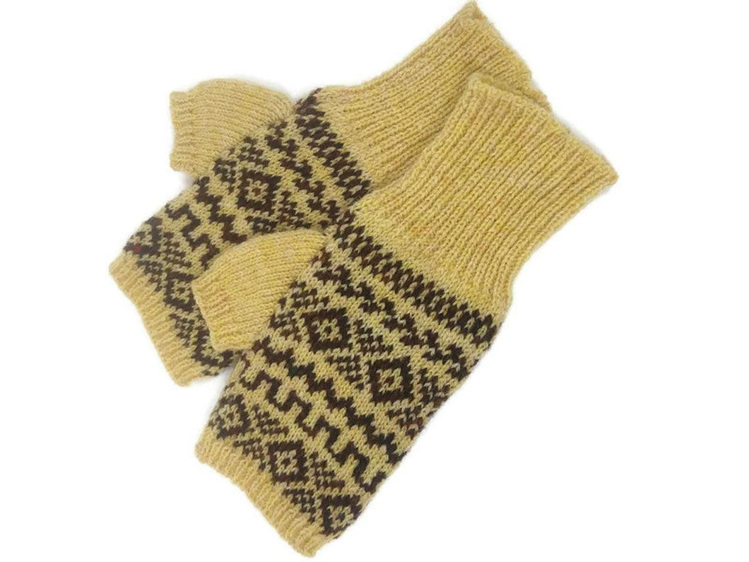 MOURNE MITTENS in Gorse Yellow