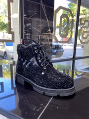 VVS Boots - SHOP SO REAL
