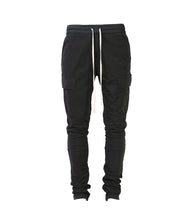 M. BLACK SWEATPANTS