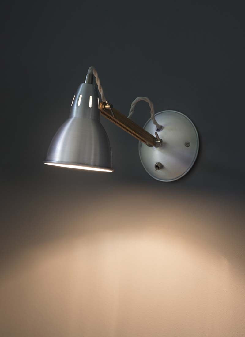 Bermondsey Wall Light in Aluminium - Ezzo