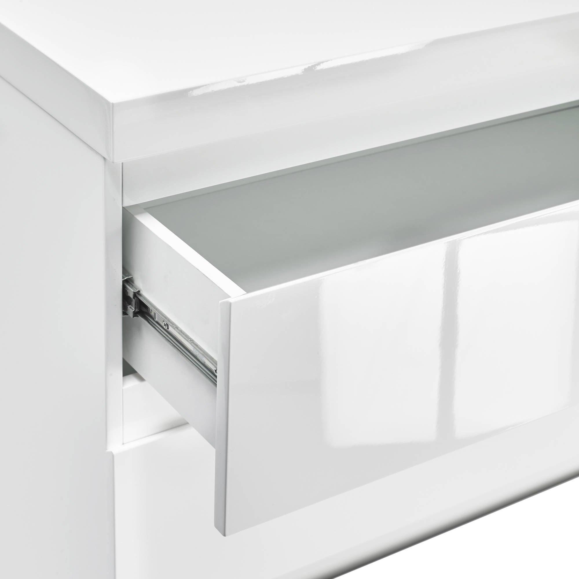 Cuba 4 Drawer Chest in White - Ezzo