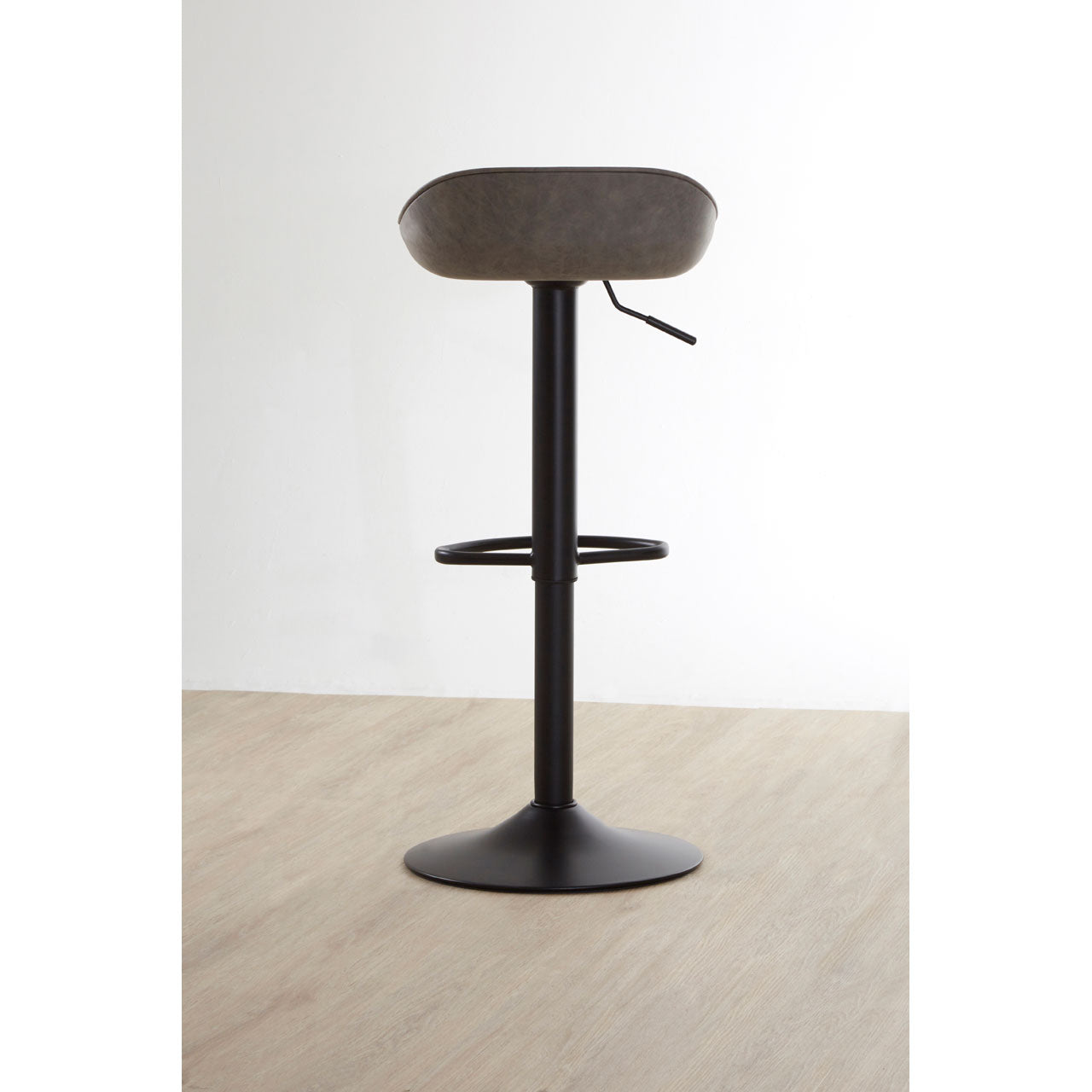 Dalston Bar Stool Ash - Ezzo