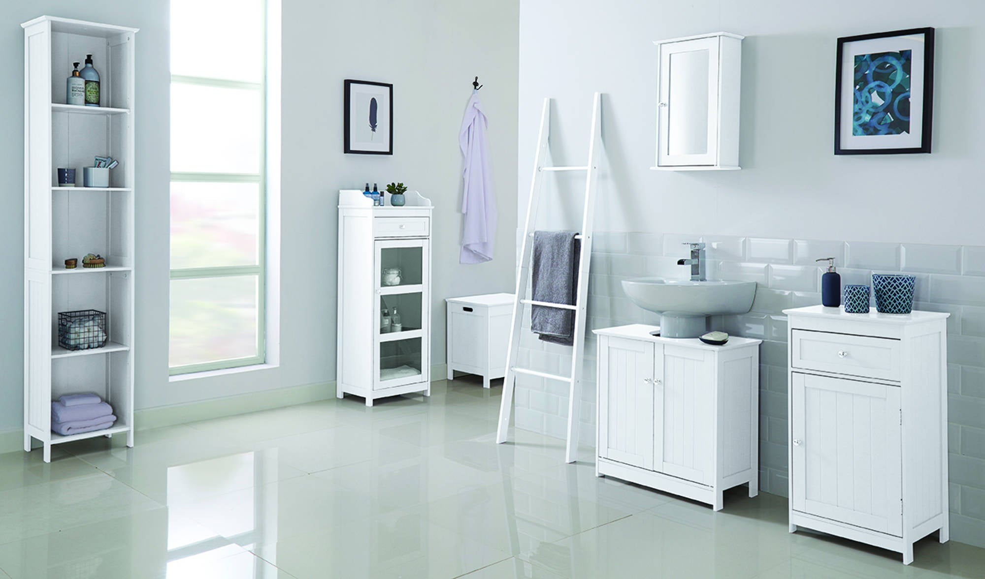 Kodiak White Glass Cabinet - Ezzo