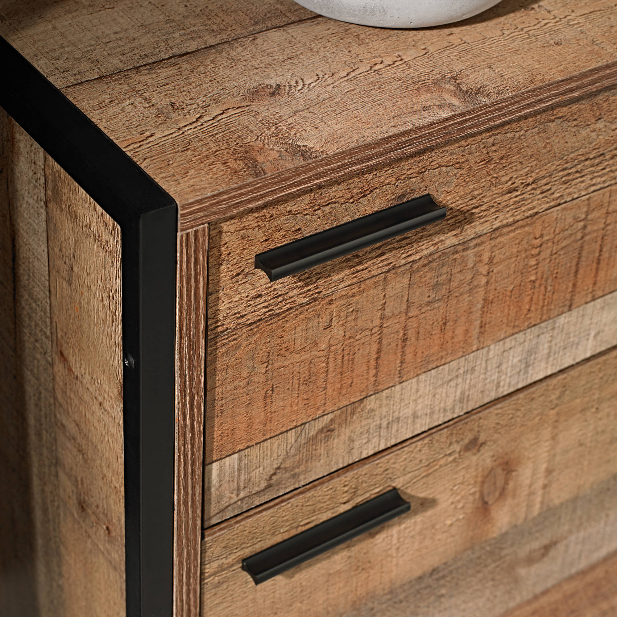 Aske 3 Drawer Chest of Drawers - Ezzo