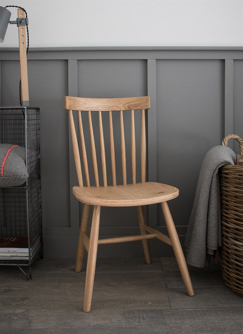 Occasional Spindle Back Chair in Oak - Ezzo