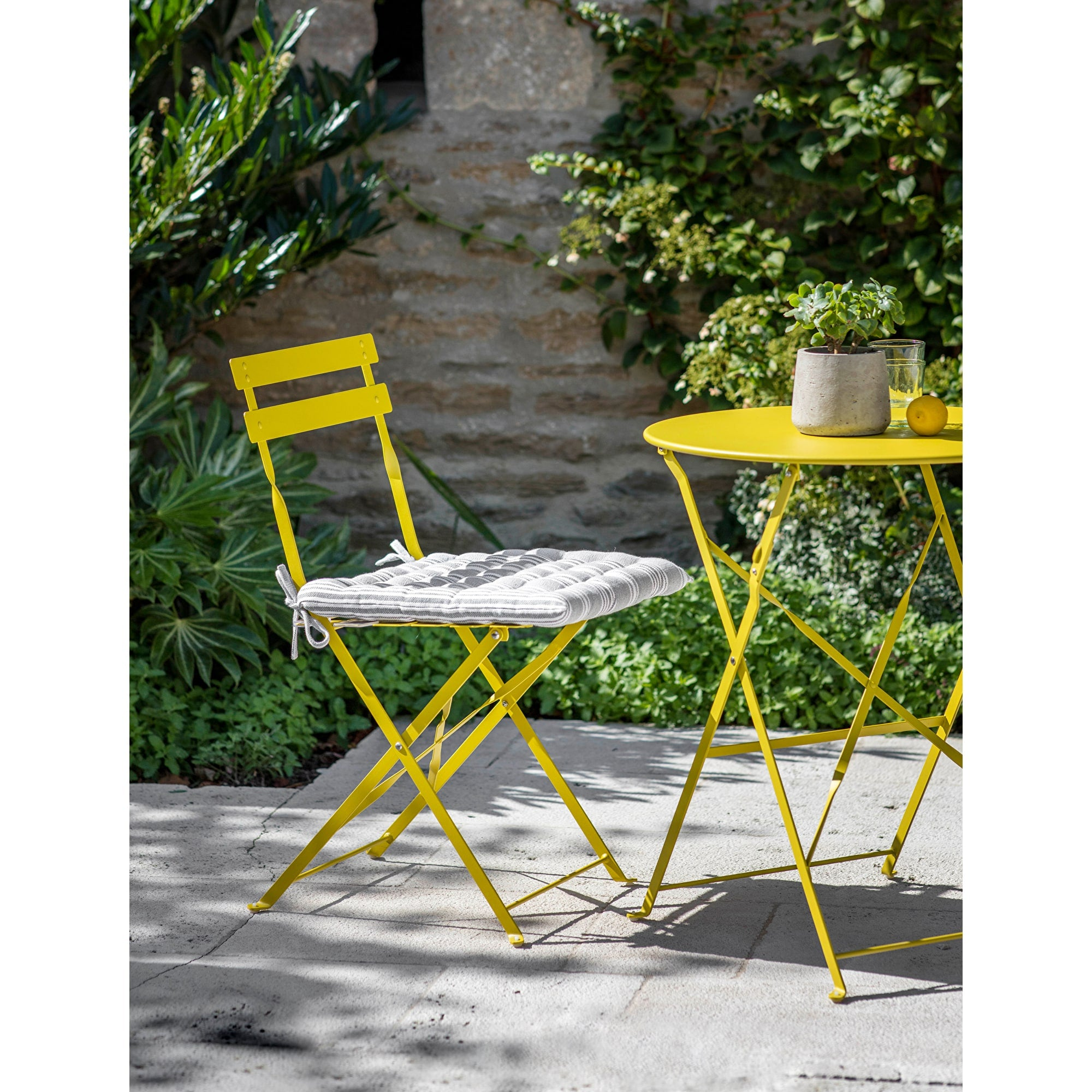 Seine Small Bistro Set in Dandelion